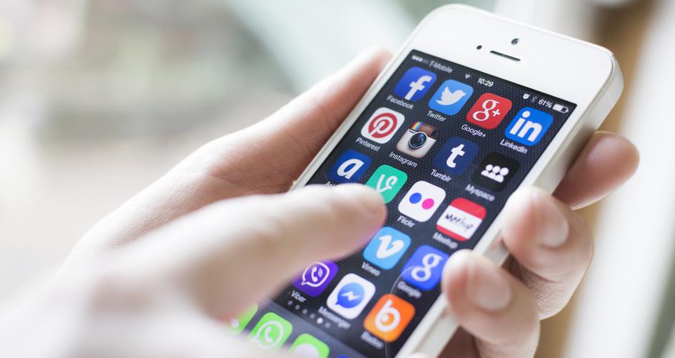 Unter den verschiedenen Messenger-Diensten sind Facebook und WhatsApp Spitzenreiter.